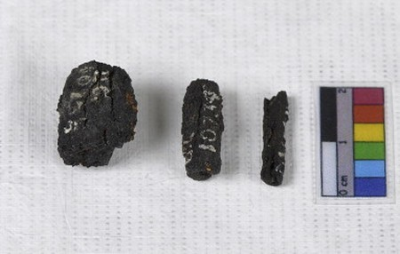pedaços de ferro corroído