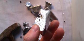 pedaço de metal gálio