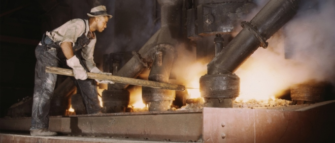 trabalhador produzindo fósofor