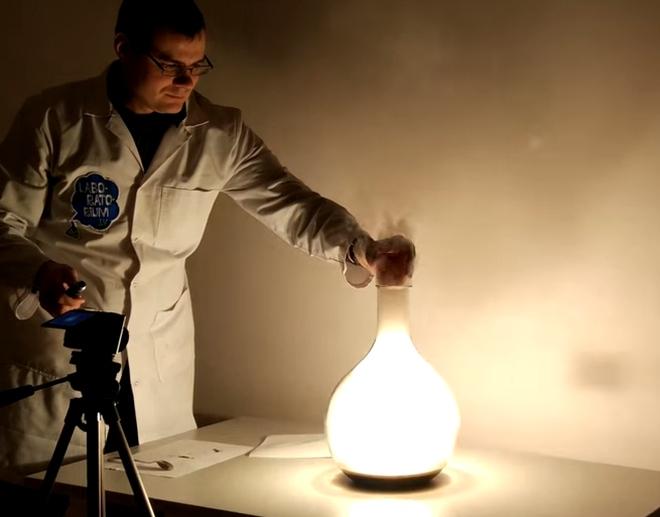 queima do elemento fósforo em presença de oxigênio