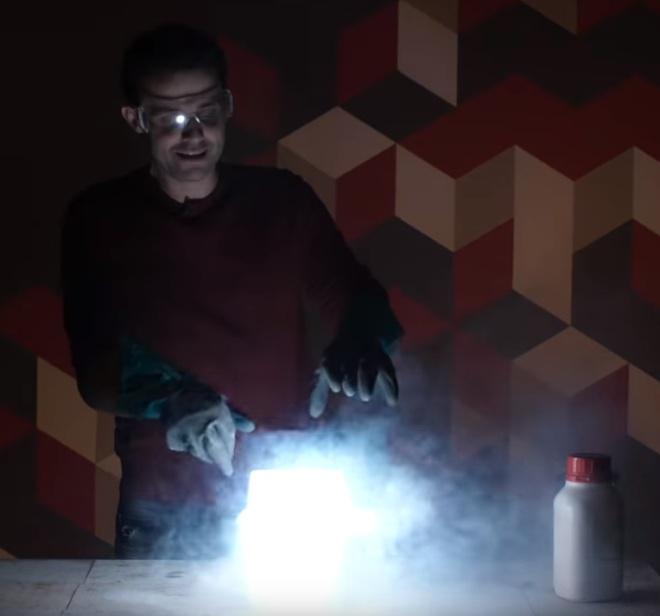 Como não apagar fogo em metais