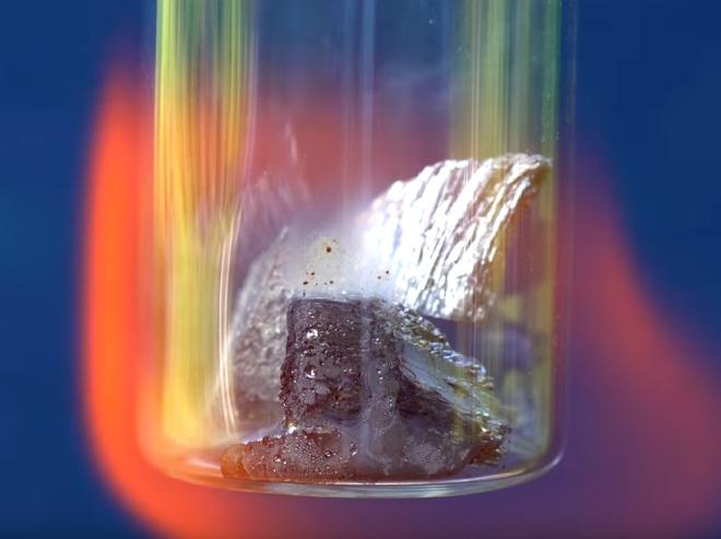 fusão do elemento em alta temperatura