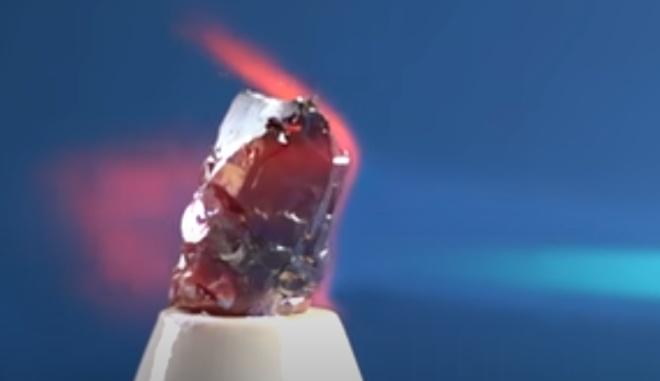 Háfnio – propriedades físicas e químicas do elemento